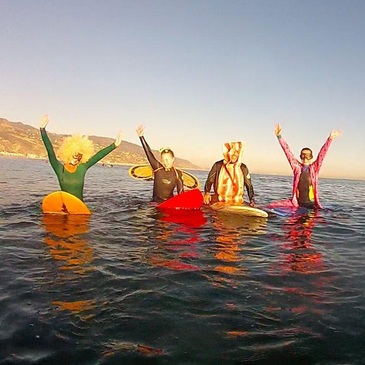 happy-surf-costumes